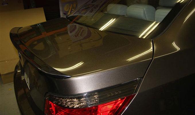 Kohlenstoff BMW E60 リアスポイラー(ロングタイプ)